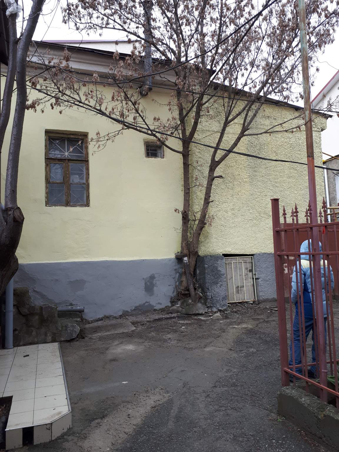 Торговые Помещения в аренду по адресу Россия, Крым, Алушта, 15 Апреля улица, 14