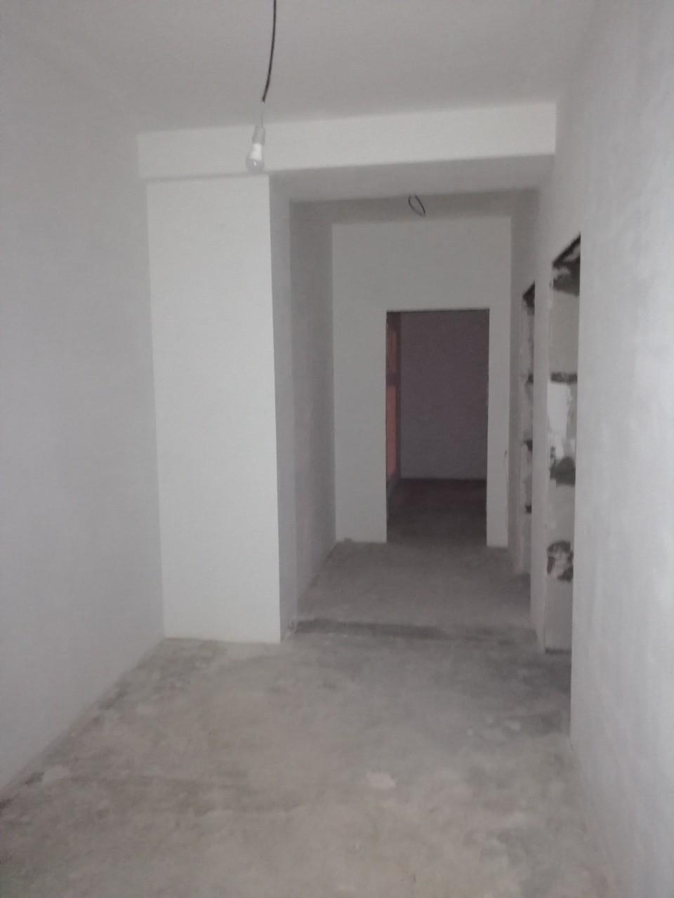 Квартира на продажу по адресу Россия, Самарская обл, Тольятти, Коммунистическая улица, 28