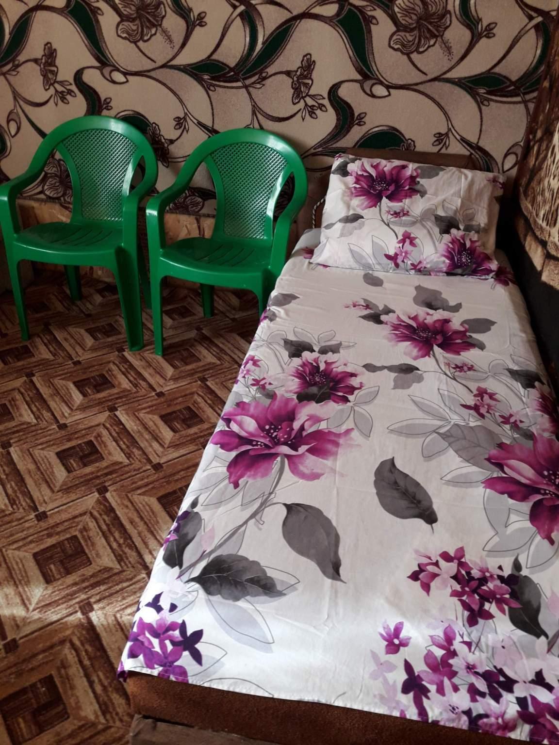 Комната в аренду по адресу Россия, Краснодарский край, Ейский р-н, Ейск, Чапаева улица, 40