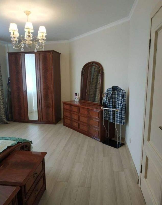 Продажа 3-комнатной квартиры, Тюмень, Олимпийская улица,  д.10