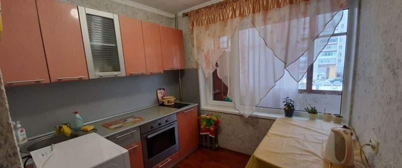 Аренда 2-комнатной квартиры, Тюмень, Коммунаров улица,  д.39