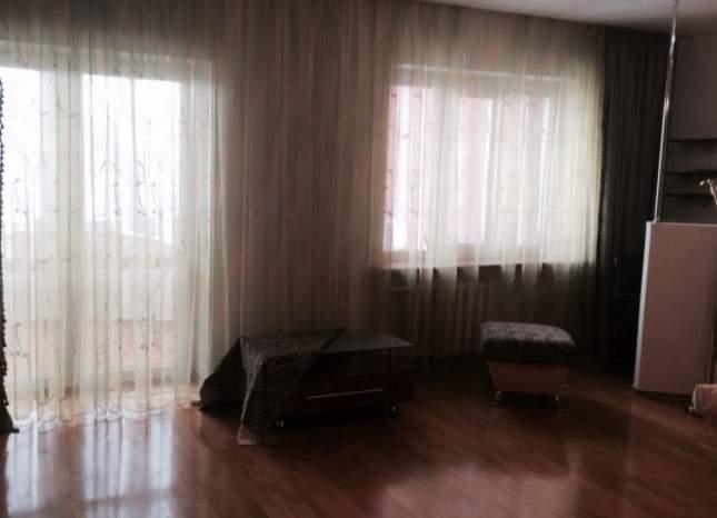 Аренда 3-комнатной квартиры, Тюмень, Холодильная улица,  д.83