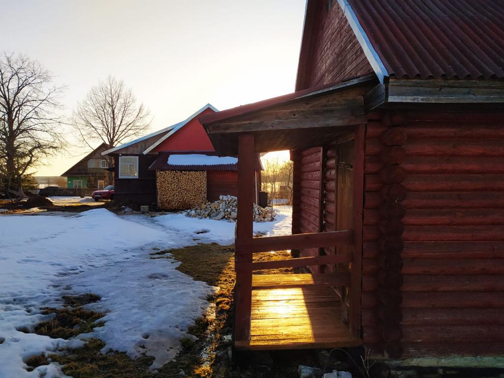 Аренда: деревенский дом:  изба-сруб