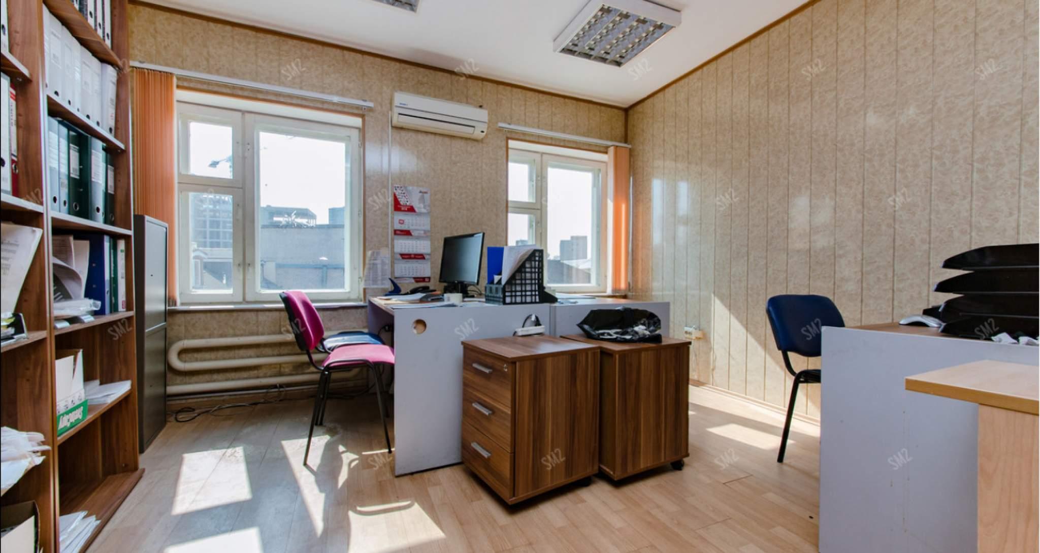 Офис в аренду площадью 733 м2, на 1 этаже