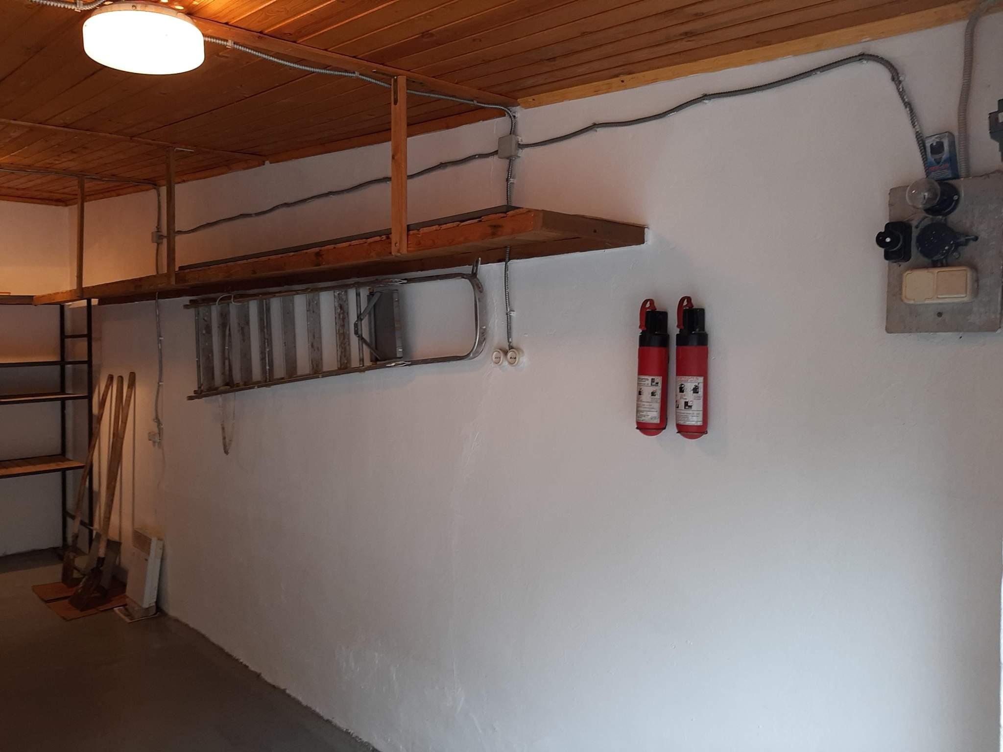 Продам: бокс-гараж, площадью 23.7 кв.м