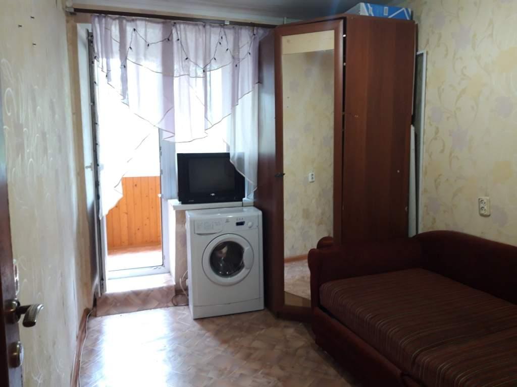 Продажа  комнаты Серова улица, д.3