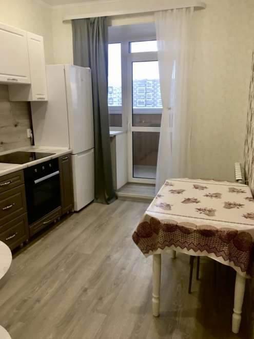 Аренда 1-комнатной квартиры, Тюмень, Мельникайте улица,  д.144А