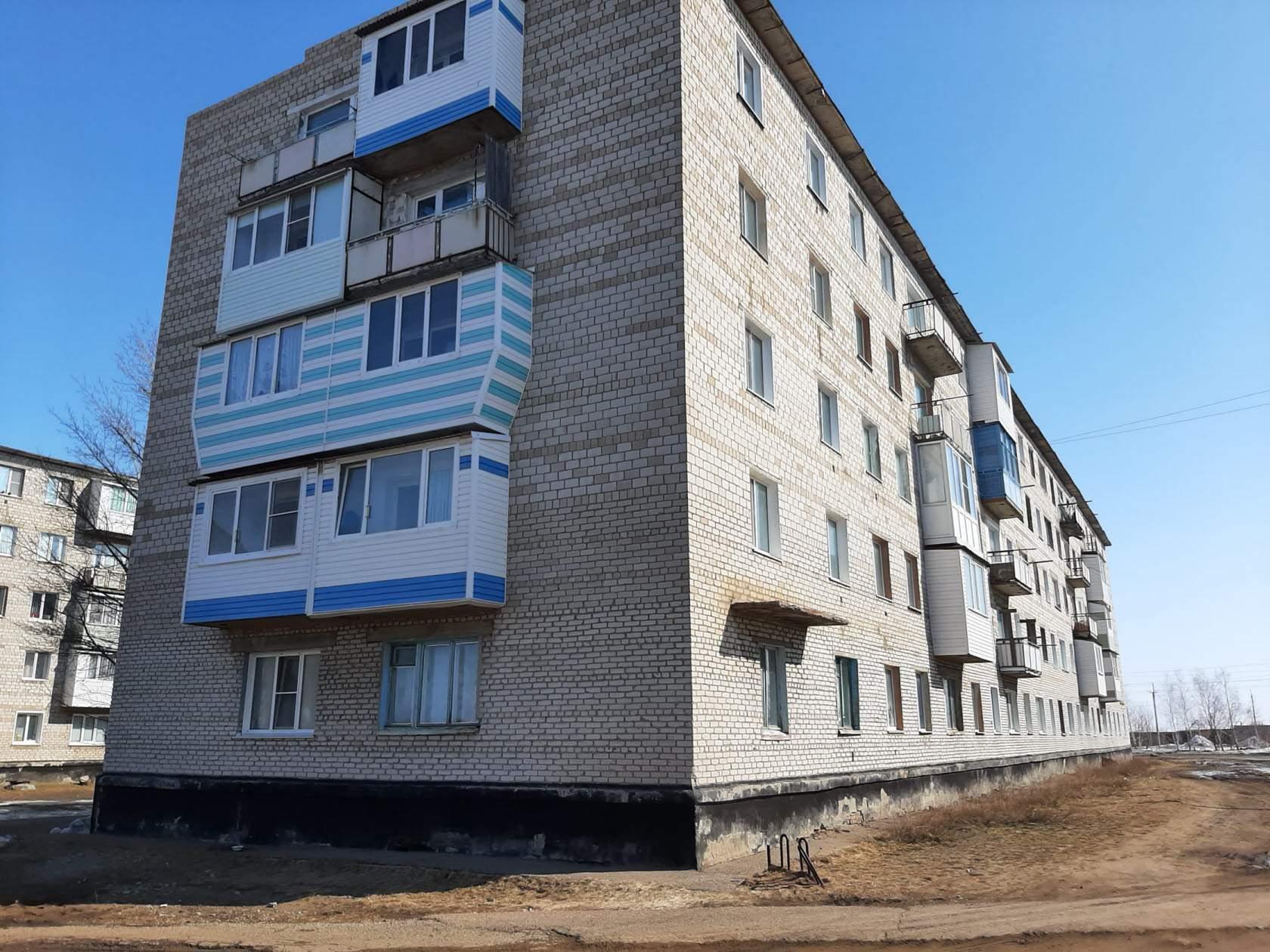 Продается трехкомнатная квартира за 915 750 рублей Алтайский край, Благовещенский р-н, рп Степное Озеро, ул Химиков, д 18