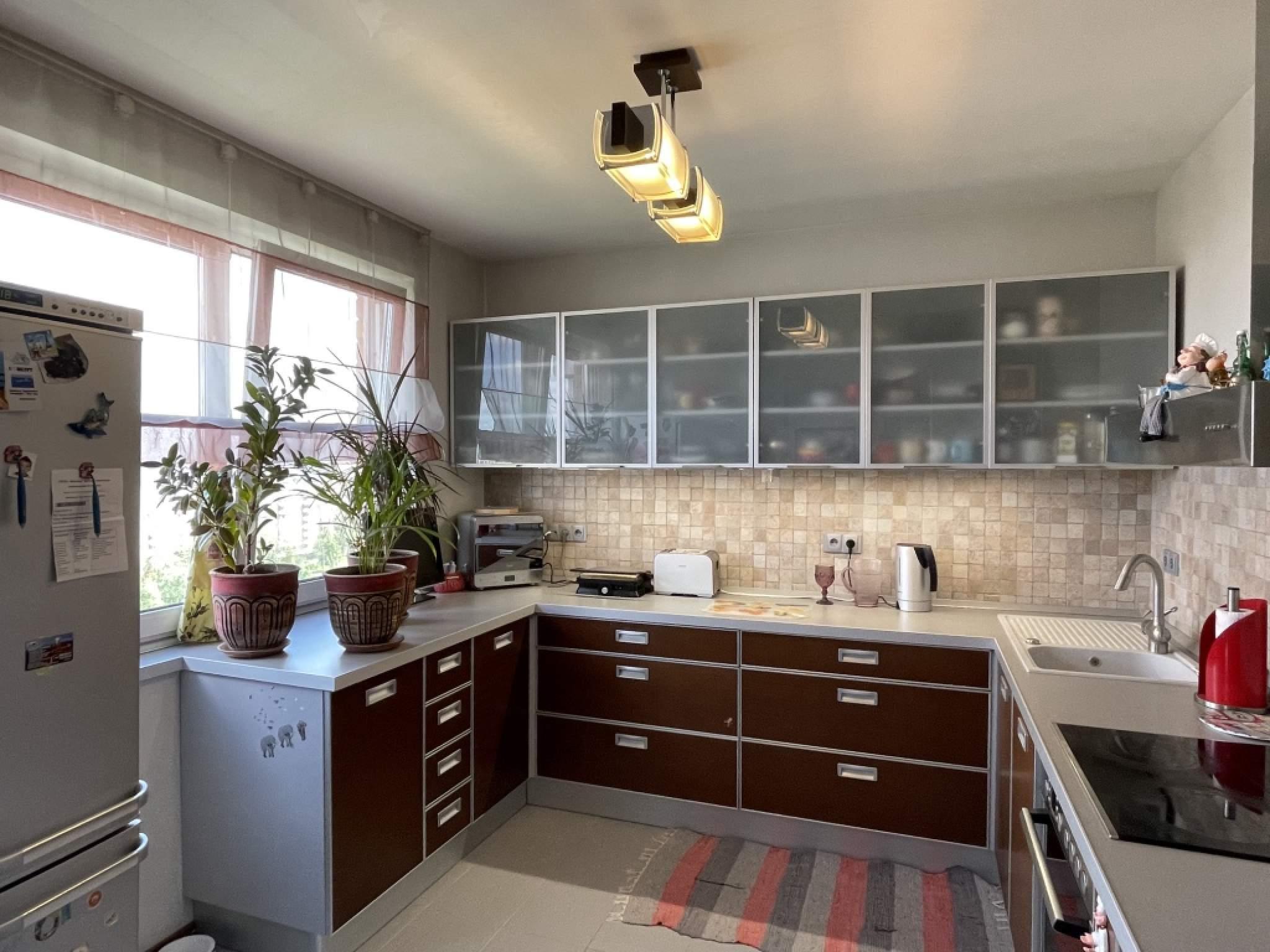 Продажа 3-комнатной квартиры, Москва, Новочерёмушкинская,  д.49к1