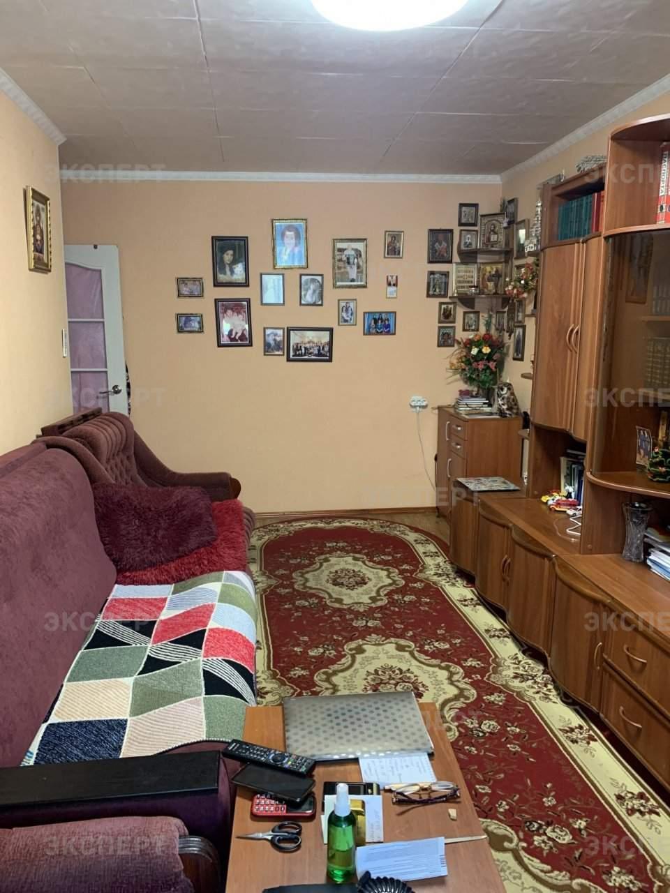 Продажа 2-комнатной квартиры, Великий Новгород, Космонавтов улица,  д.16